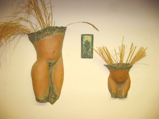 wall sculptures_figures